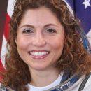 انوشه انصاری. نخستین زن فضانورد ایرانی و مدیر موسسه تله کام . مقیم آمریکا